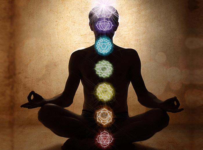 медитирующий человек