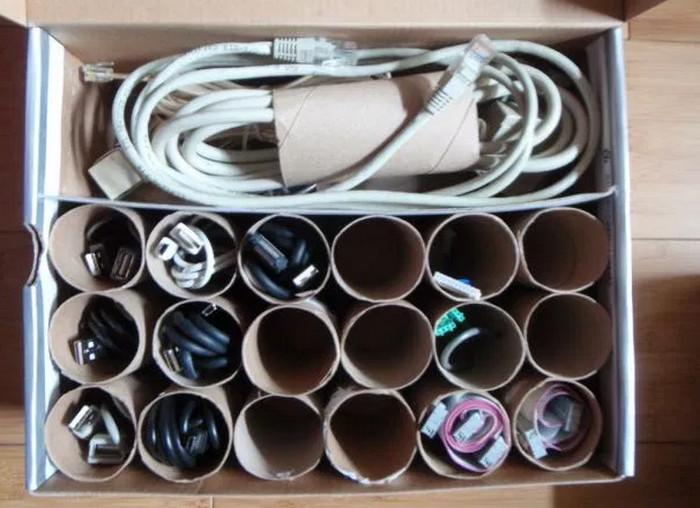 провода во втулках от туалетной бумаги
