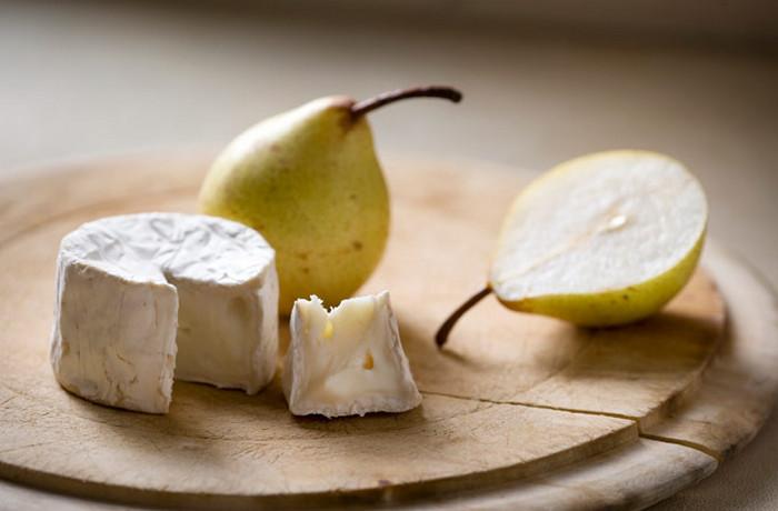 сыр и груша