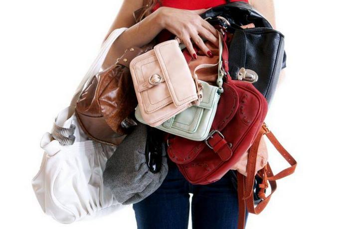 девушка и много сумок
