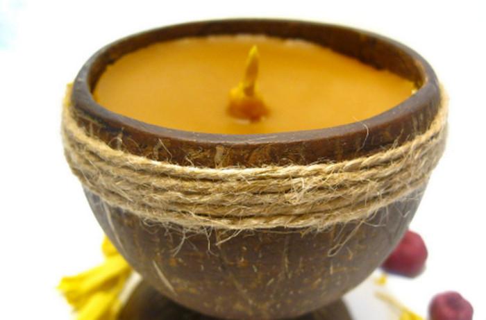 свеча в кокосовой скорлупе