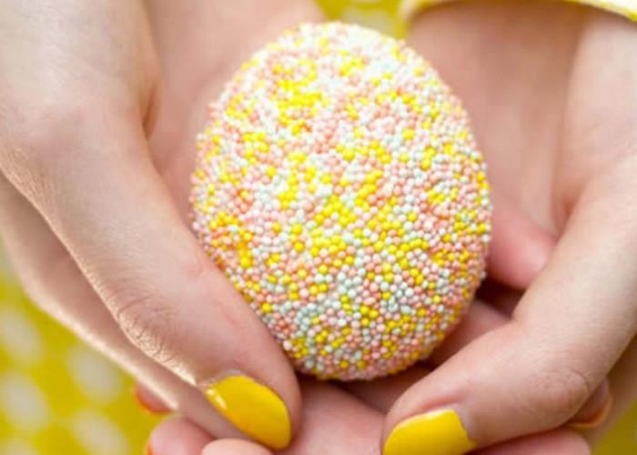 яйцо в сахарной посыпке