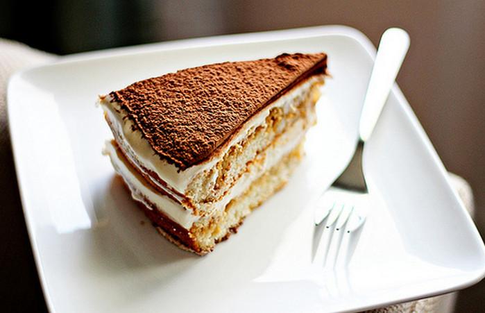 отрезанный кусок торта