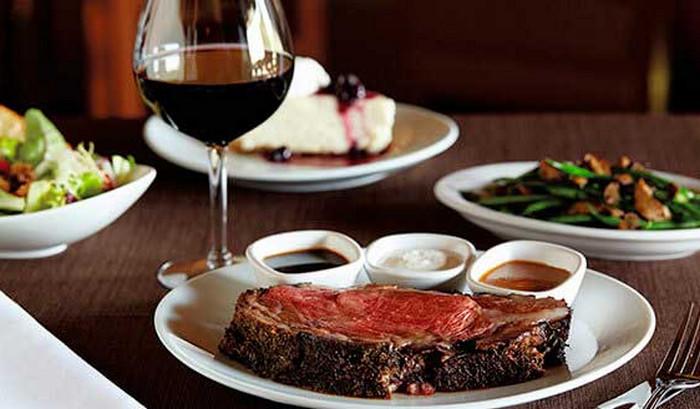 красное вино и стейк