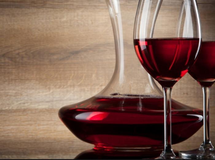 кувшин с вином