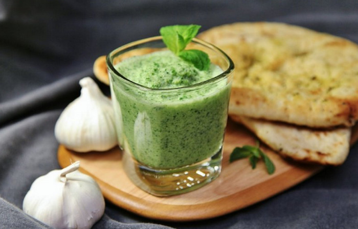 кефирный соус с зеленью