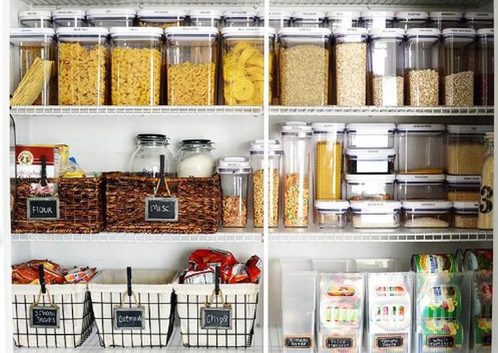 продукты в контейнерах