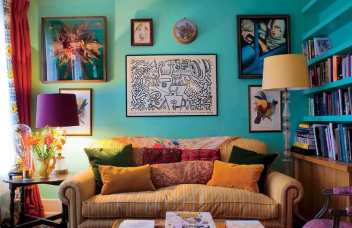 яркий текстиль в комнате