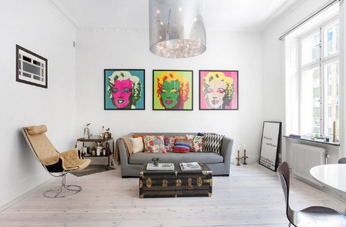 картина мэрилин монро на стене
