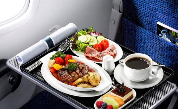 еда на борту самолета