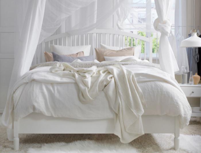 заправленная постель