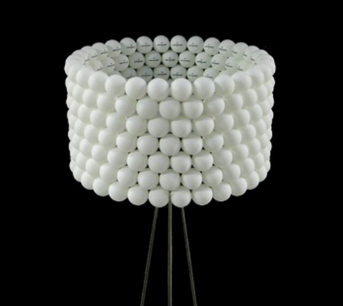 абажур из теннисных шариков