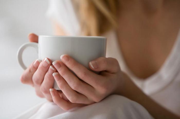чашка в руке