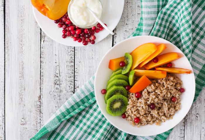 здоровая еда в тарелке