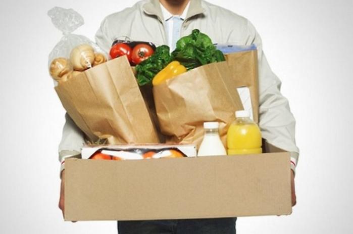 продукты в коробке