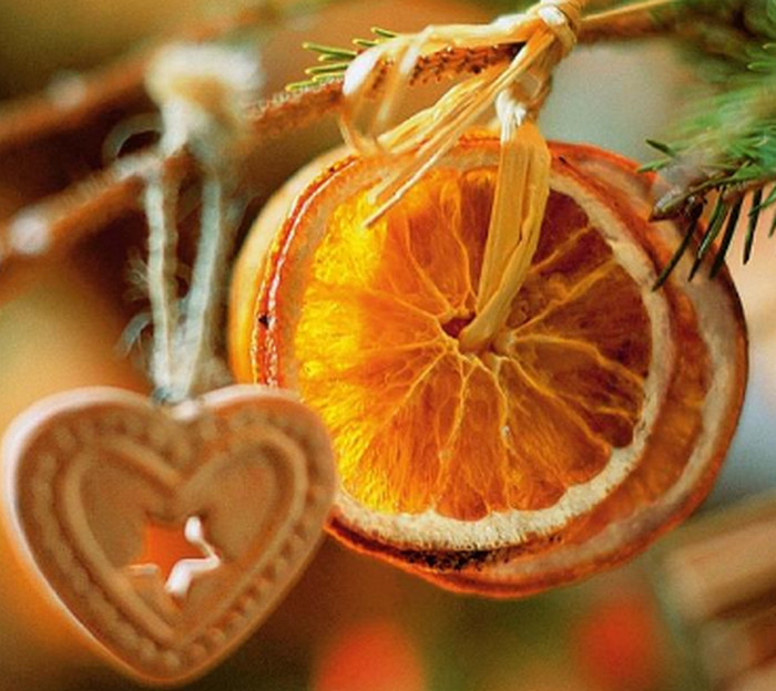 ломтики сушеных апельсинов