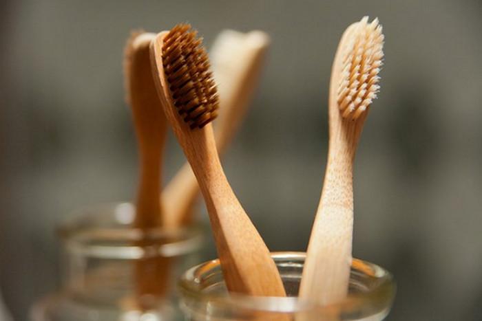 деревянная зубная щетка