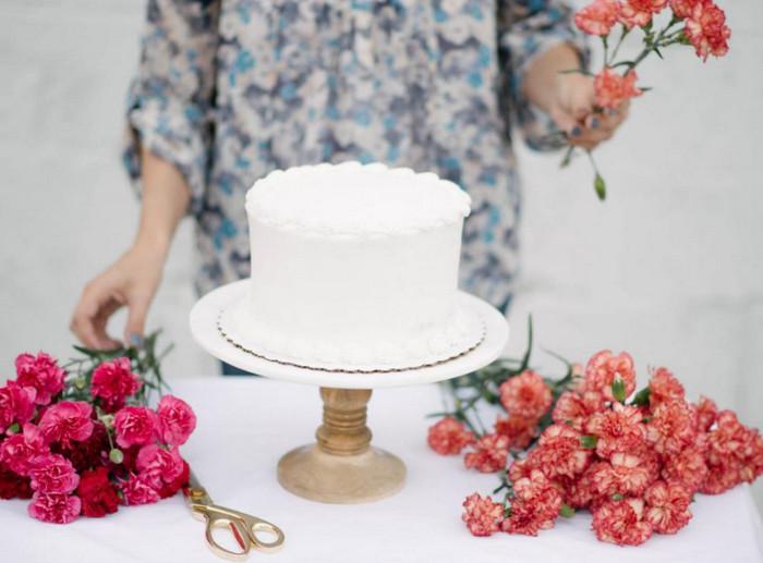 цветы и торт