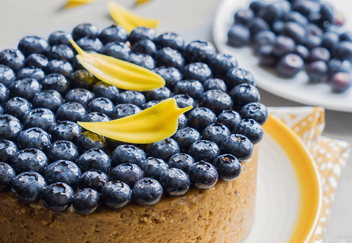 ягоды на пироге
