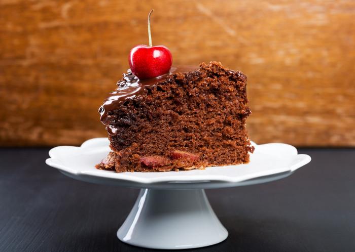 вишенка на пироге