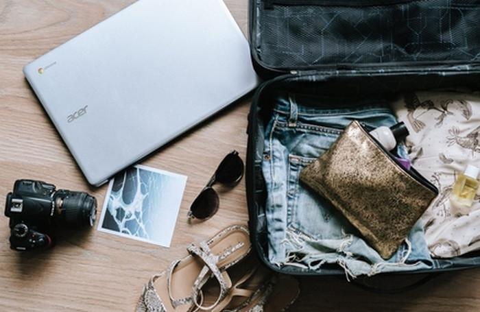 косметичк в чемодане
