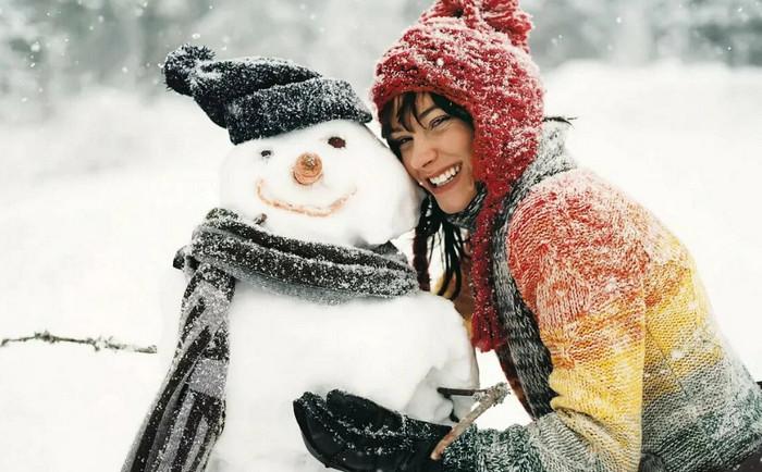 девушка и снеговик